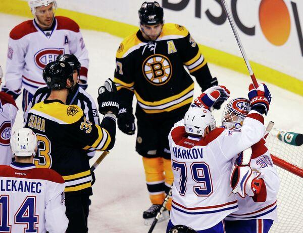 Игровой момент матча Бостон - Монреаль