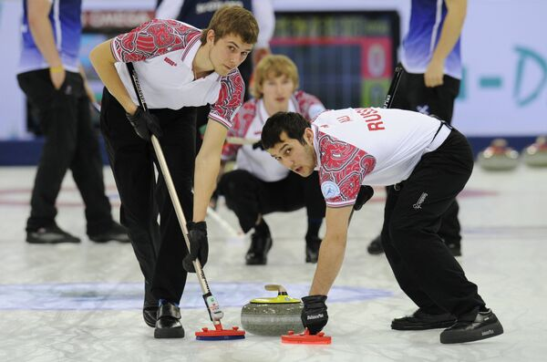 Дмитрий Миронов (слева) и Артур Али