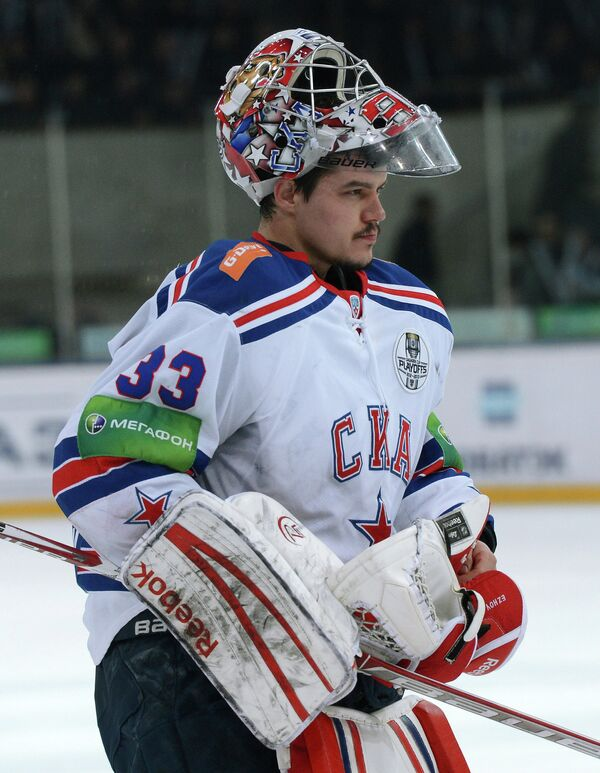 Вратарь СКА Илья Ежов в матче Динамо - СКА