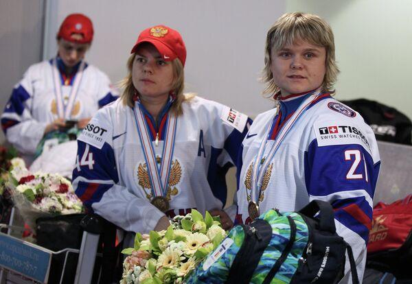 Александра Капустина (слева) и Анна Щукина