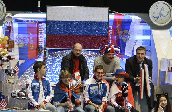 Сборная России поддерживает выступление Аделины Сотниковой