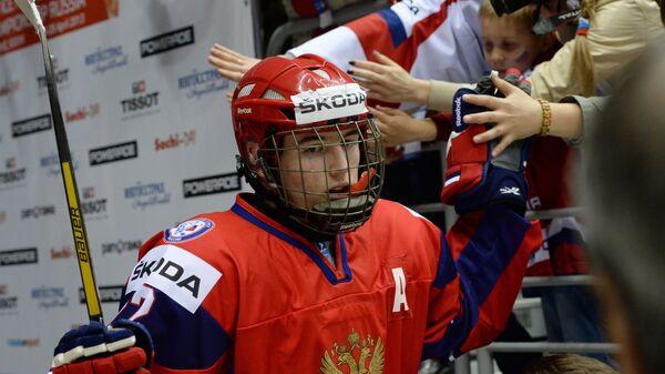Болельщики приветствуют Ивана Барбышева