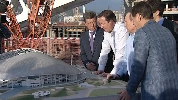 Путин показал Кэмерону макет стадиона, где пройдут открытие и закрытие ОИ-2014