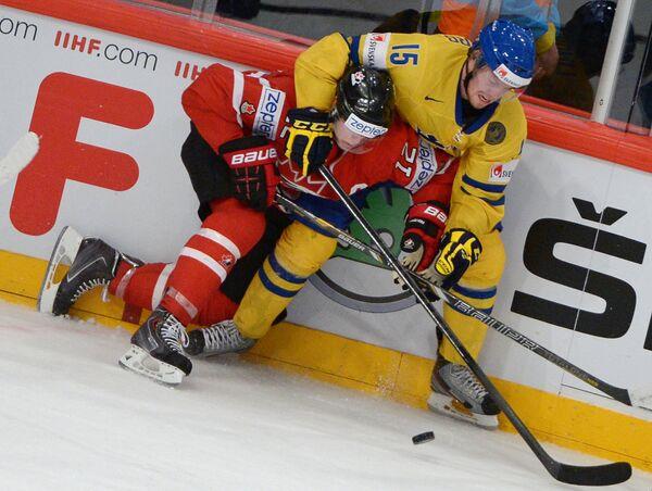 Игровой момент матча Швеция - Канада