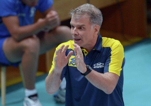 Главный тренер сборной Бразилии Бернарду Резенде
