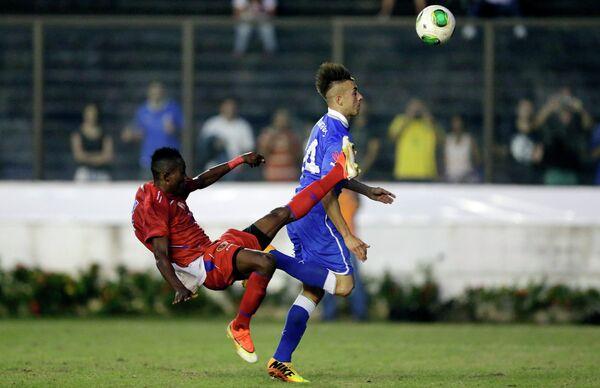 Игровой момент матча Италия-Гаити