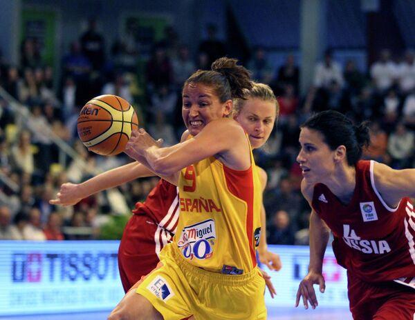 Игровой момент матча Испания - Россия