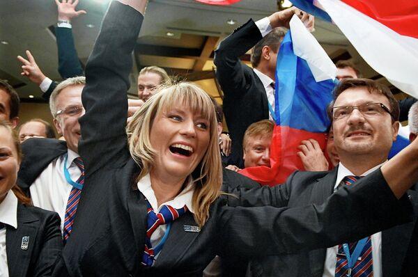 Светлана Журова (слева)