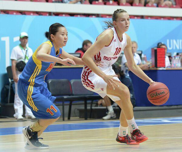 Игровой момент матча Россия - Монголоия