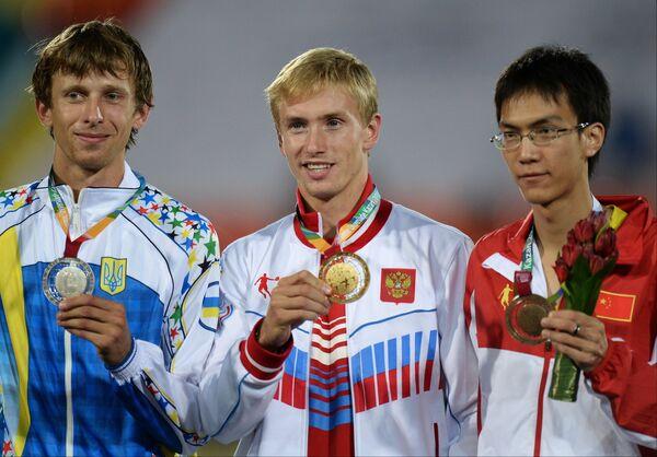 Андрей Проценко, Сергей Мудров и Ван Ю (слева направо)