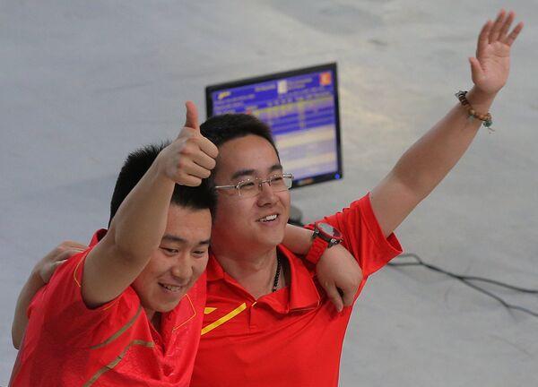 Вэй Панг и Джиаджи Маи (слева направо)