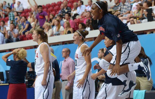 Баскетболистки сборной США на Универсиаде