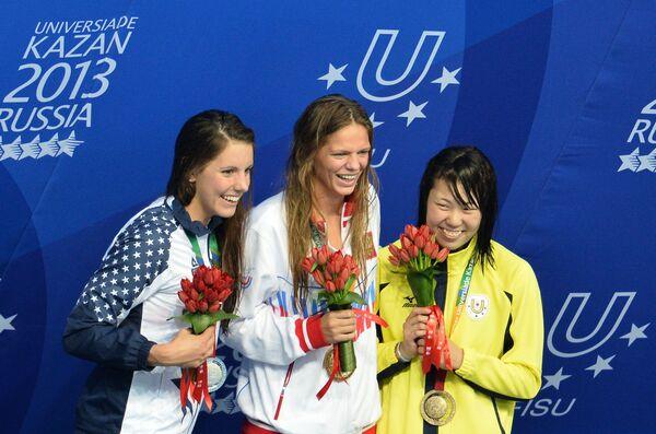 Лаура Согар (США), завоевавшая серебряную медаль, Юлия Ефимова