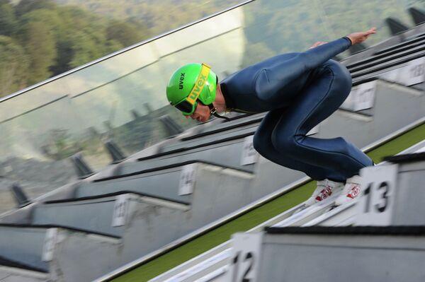 Член мужской сборной России по прыжкам на лыжах с трамплина Денис Корнилов