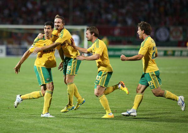 Игроки Кубани Артур Тлисов, Алексей Козлов, Роман Бугаев и Антон Соснин (справа налево)