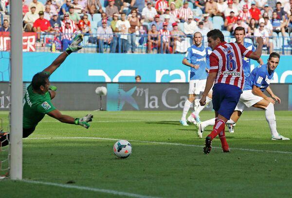 Игровой момент матча Атлетико (Мадрид) - Альмерия