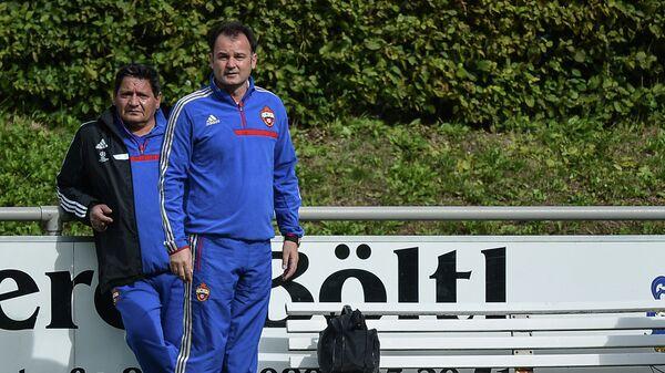 Александр Гришин (справа)
