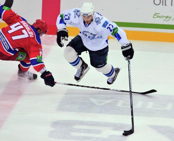 Брэндон Боченски (справа) и Александр Радулов