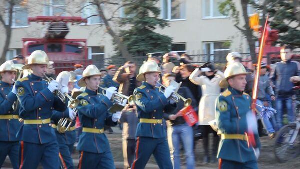 Пожарные и красавицы встретили олимпийский огонь в Иваново