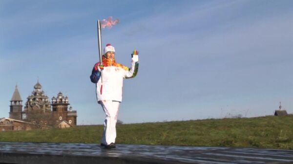 Древние обереги подарили олимпийской сборной России на острове Кижи