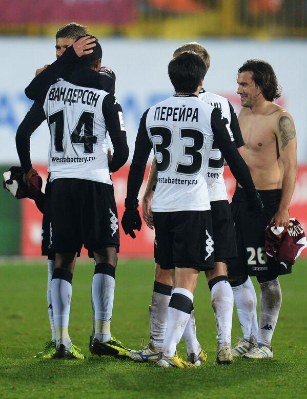 Футболисты Краснодара радуются победе над Рубином