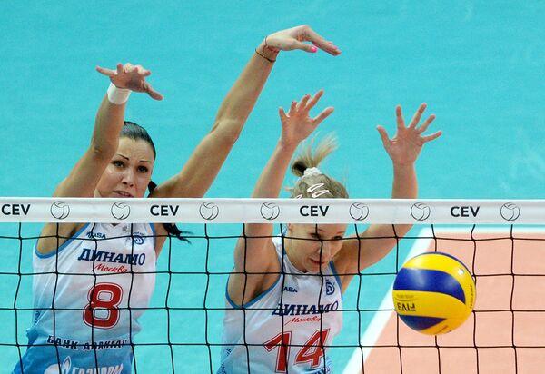 ЖВК Динамо Наталия Обмочаева (слева) и Екатерина Кривец