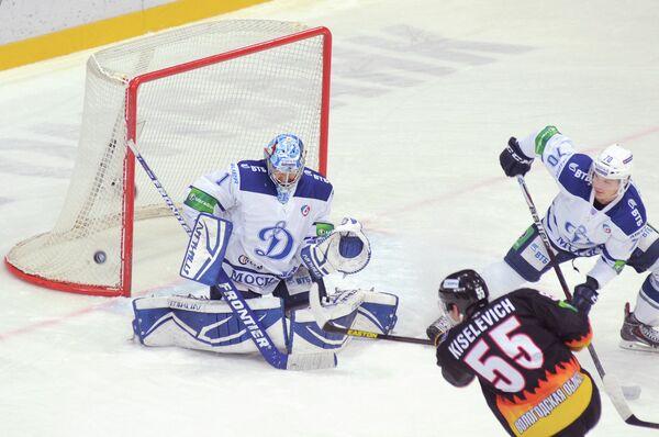 Игровой момент матча Северсталь - Динамо