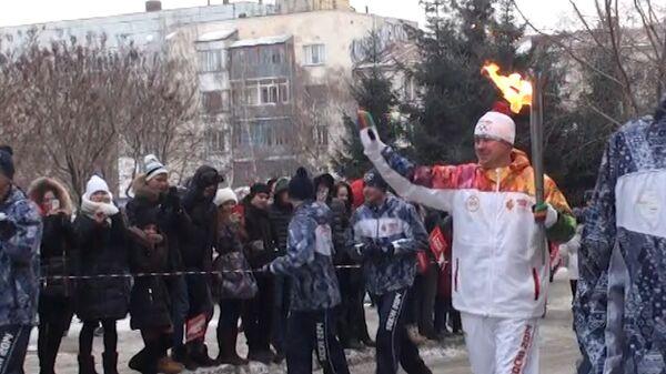 Огонь ОИ пронесли мимо вольеров с животными-символами Игр  в Новосибирске