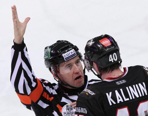 Сергей Калинин (справа)