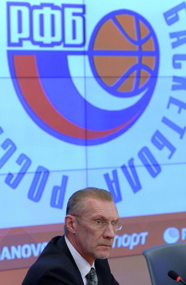 Главный тренер женской сборной России по баскетболу Анатолий Мышкин