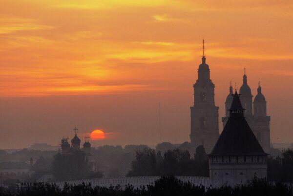 Астраханский кремль на закате
