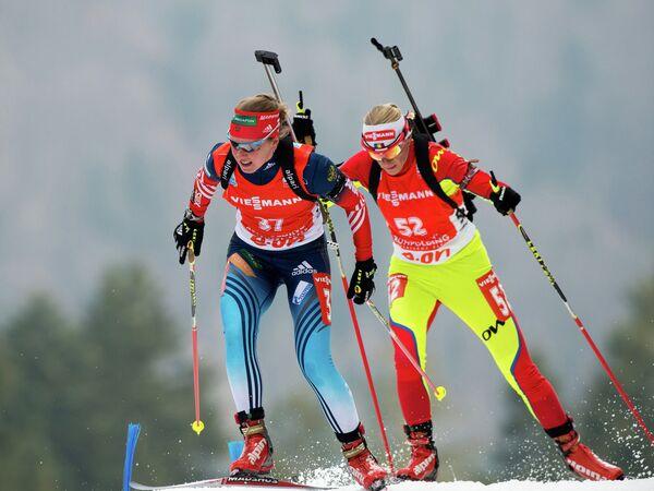 Россиянка Яна Романова (слева) и румынка Ева Тофалви