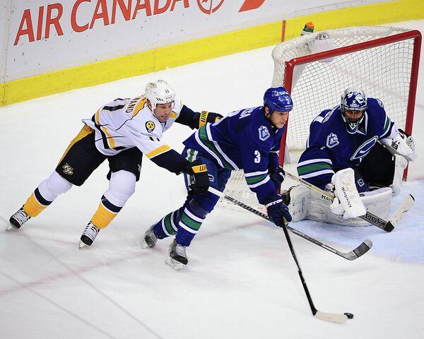 Игровой момент матча Ванкувер - Нэшвилл