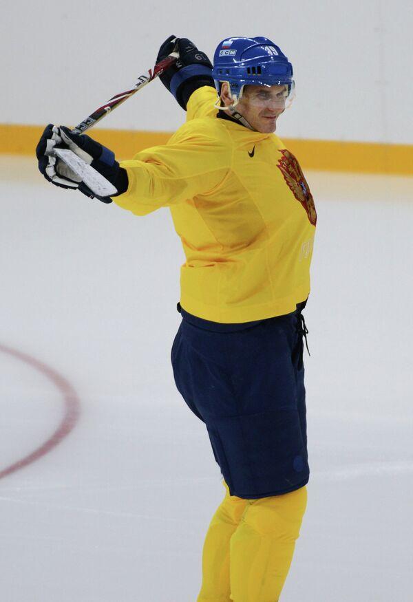 Генеральный менеджер женской сборной России по хоккею и ассистент генерального менеджера мужской национальной команды Алексей Яшин