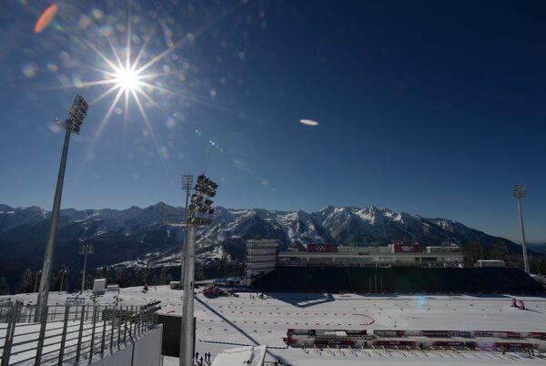Стадион лыжно-биатлонного комплекса Лаура перед началом XXII зимних Олимпийских игр в Сочи