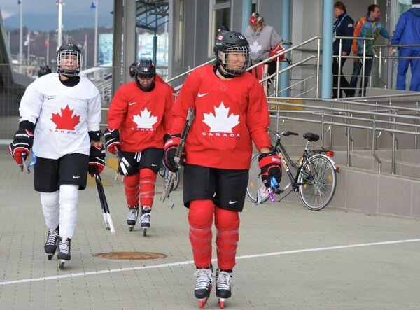 Канадские хоккеистки
