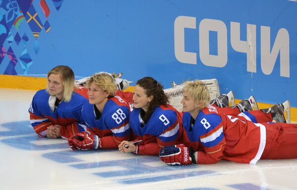 Слева направо: Юлия Лескина, Екатерина Смолина, Александра Вафина, Лия Гаврилова (Россия)