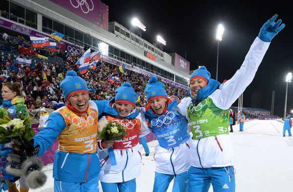 Сборная России выиграла серебро в женской биатлонной эстафете на Олимпийских играх