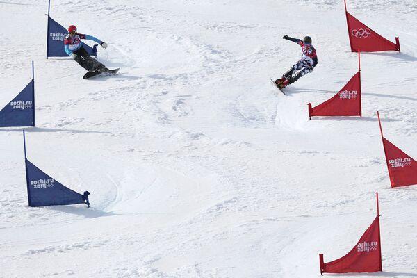 Слева направо: Жан Кошир (Словения) и Вик Уайлд (Россия)