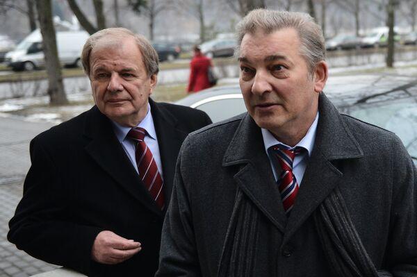 Владислав Третьяк (слева) и Валерий Фесюк