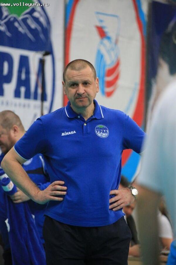 Исполняющий обязанности главного тренера Урала Игорь Пасечник