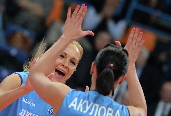 Юлия Морозова (слева)