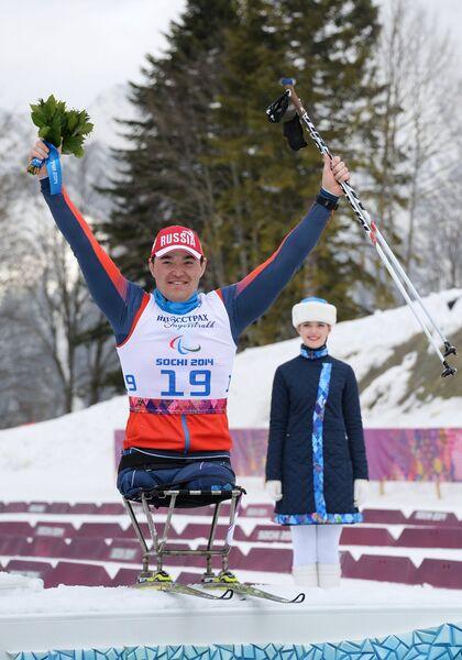 Ирек Зарипов (Россия), завоевавший серебряную медаль в гонке на дистанции 15 км в классе LW 10-12 (сидя)