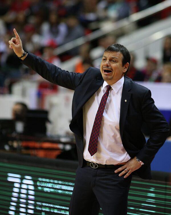 Главный тренер Галатасарая Эргин Атаман