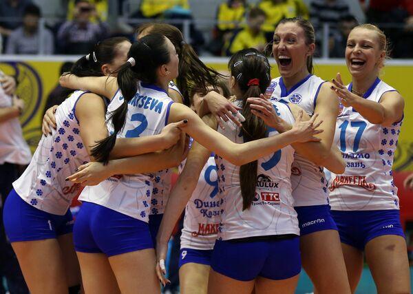 Волейболистки Динамо-Казань радуются победе в финальном матче женской Лиги чемпионов