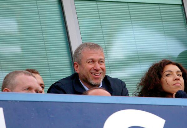 Владелец Челси Роман Абрамович доволен игрой команды в матче против Арсенала