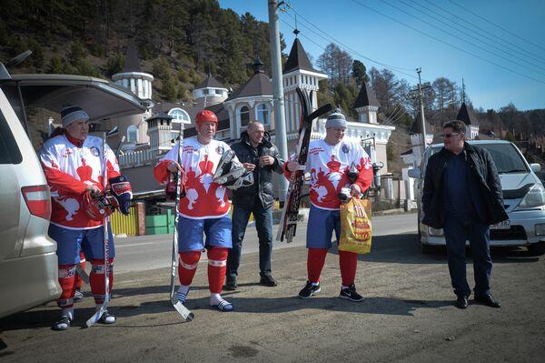 Сергей Бабинов, Юрий Ляпкин, Александр Третьяк и Сергей Макаров (слева направо на первом плане)