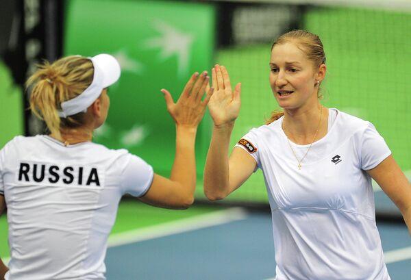 Российские теннисистки Елена Веснина (слева) и Екатерина Макарова