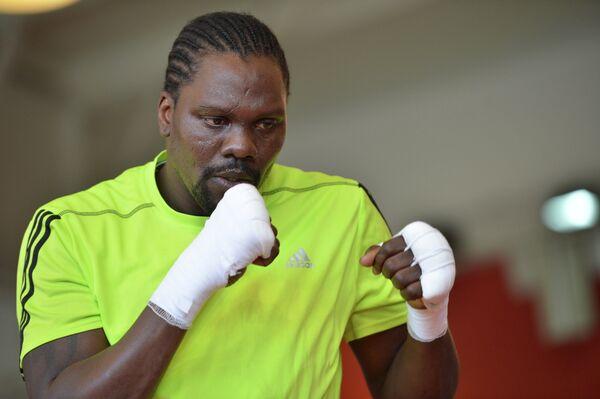 Претендент за звание чемпиона мира в первом тяжелом весе по версии WBA Гильермо Джонс
