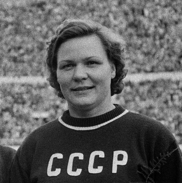 Клавдия Точенова